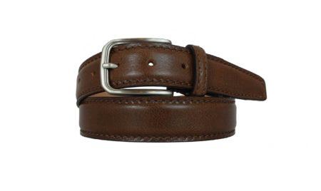 Cinture in pelle marrone cioccolate per uomo e donna. Puoi personalizzarlo con le tue iniziali. https://www.puntopelle.com/shop/