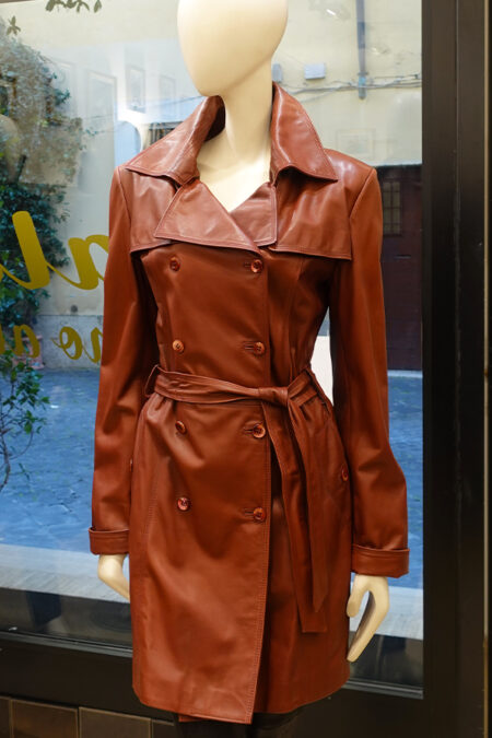 Trench barbara in pelle