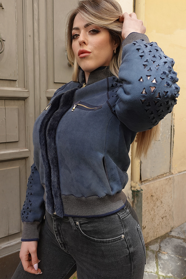 Vanessa Blue bomber